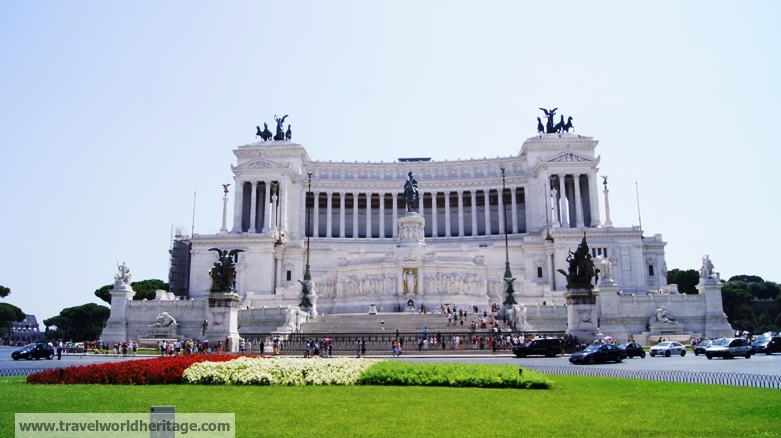 This monument, walking distance from the Colosseum, is dedicated to Victor Emmanuel II, one of the founders of modern Italy.