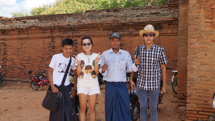 Shwebo students in Bagan