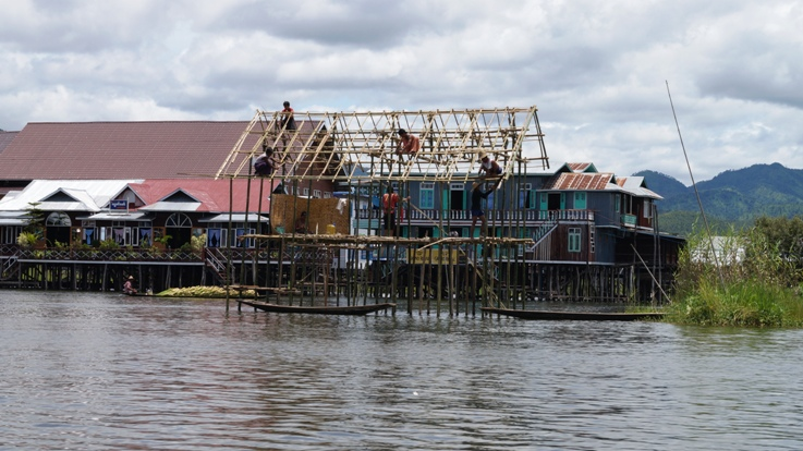 Inle Lake house building